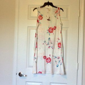 NWT Genhoo Floral dress, with pockets